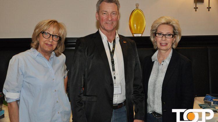 Beautycoach Hermann Otto mit Marianne Janser und Gerda Buchkrämer