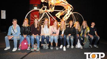 Das Team der Ladies in Black bei der Ausstellung
