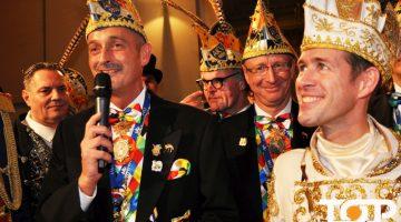 AKV-Präsident Werner Pfeil verabschiedet Prinz Thomas III. aus der Session