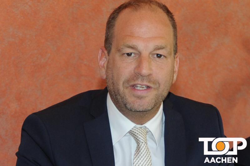 Michael (Mike) Foellmer bei Pressekonferenz des AKV