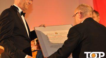 BDK-Präsident Fess ehrt Volker Wacker auf dem Galaabend