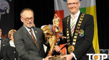 Preisträger Dr. Michael Euler-Schmit und BDK-Präsident Klaus-Ludwig Fess