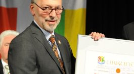 Dr. Michael Euler-Schmidt nach der Ehrung im Aachener Krönungssaal