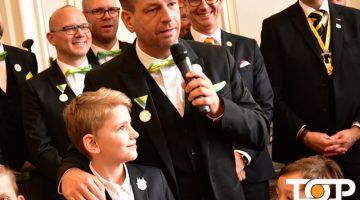 Märchenprinz Julius I. (Philipp) und Prinz Mike der Erste (Foellmer) beim Rathausempfang