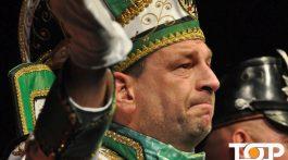 Nach einer sensationellen Session verabschiedet sich Prinz Mike der Erste im Theater Aachen